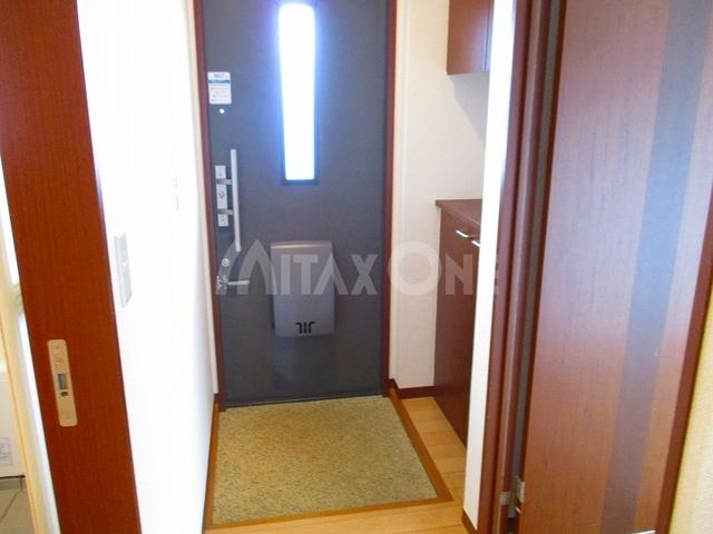 グリーンヴィラスリー(グリーンヴィラ3)玄関