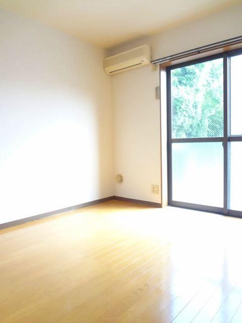 エルム新横浜居室