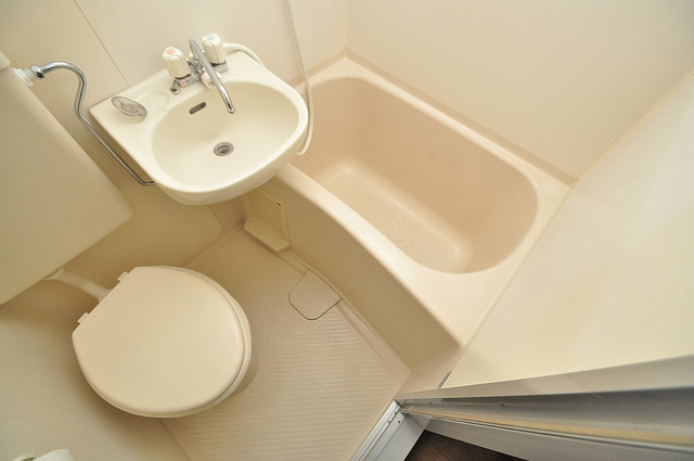 ジョイライフ永和 お風呂・トイレが一緒なのでお部屋が広く使えますね。