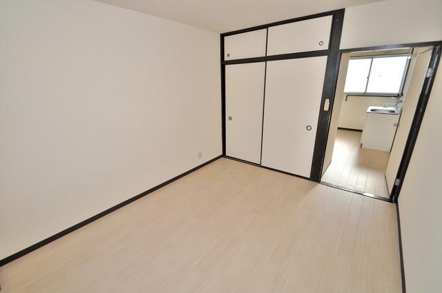 川田マンション 解放感がある素敵なお部屋です。