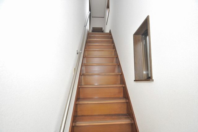 MAプレイス この階段を登ればお部屋になっています。