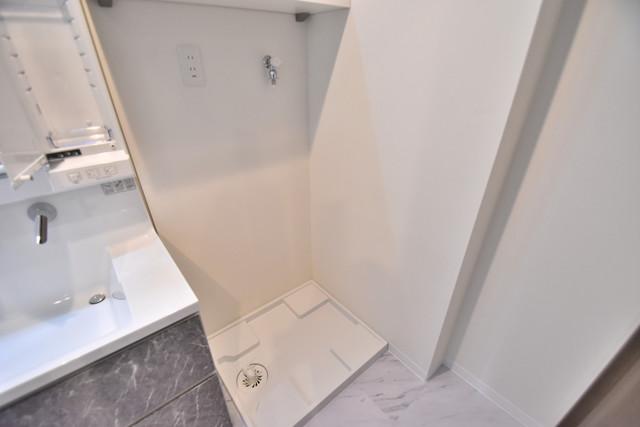 PHOENIX Clove Tomoi 嬉しい室内洗濯機置場。これで洗濯機も長持ちしますね。