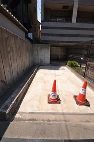 ステージグランデ本郷駐車場