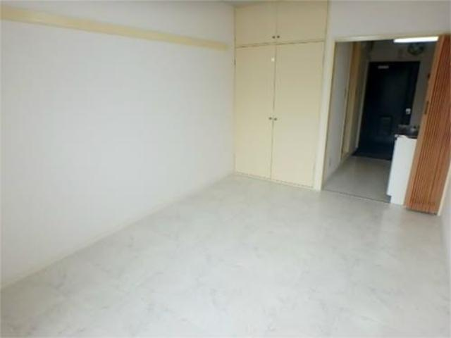 サードフロンティア居室