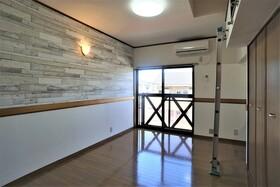 https://image.rentersnet.jp/3f5eae79-91ee-4749-ba24-bf6a6446800f_property_picture_956_large.jpg_cap_居室