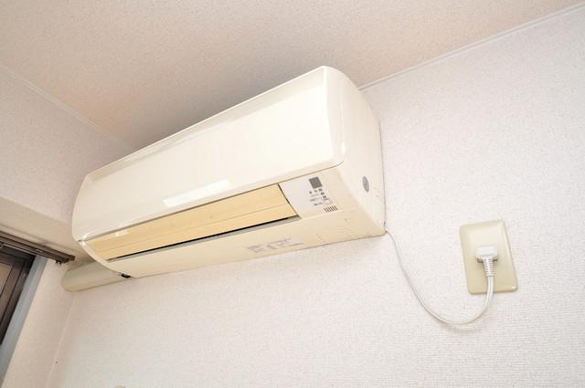 サニーハイム小若江 エアコンがあるのはうれしいですね。ちょっぴり得した気分。