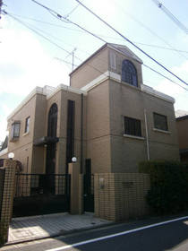 成城学園前駅 徒歩3分の外観画像