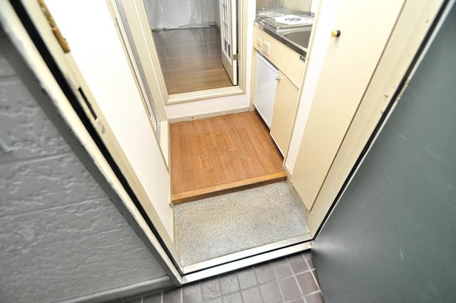 ハウスランド布施 シューズボックス完備で玄関周りがスッキリ。