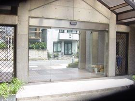 日吉本町駅 徒歩12分エントランス
