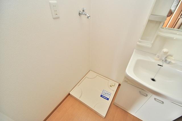 T-WEST 室内に洗濯機置き場があれば雨の日でも安心ですね。