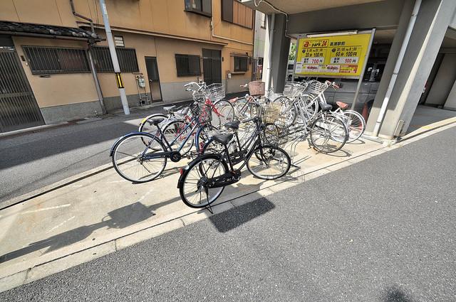 ラトゥール長瀬 あなたの大事な自転車も安心してとめることができますね。