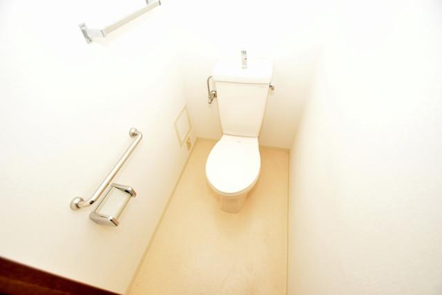 ポルト巽 スタンダードなトイレは清潔感があって、リラックス出来ます。
