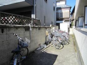 駐輪スペースあります☆