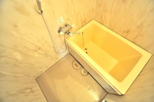 フルラーレ 機能的なバスルームはトイレと別々なので、広々としていますよ。