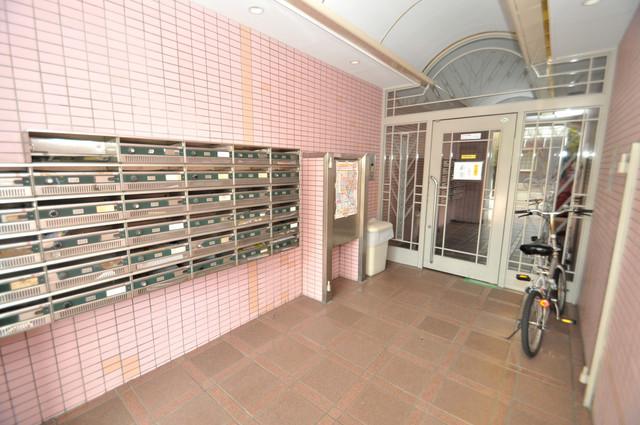 エントランス内には各部屋毎のメールボックスがあります。