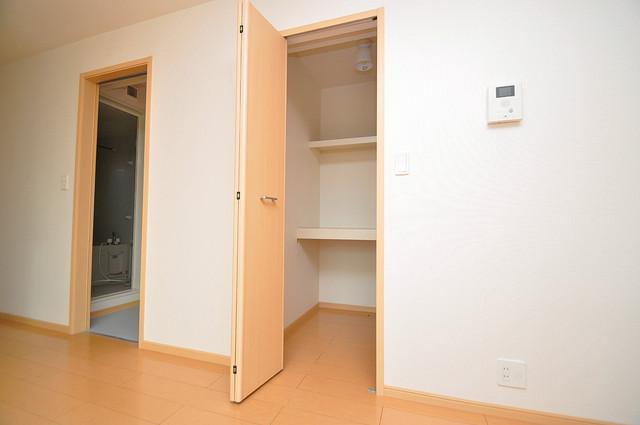 セレンディピティ・ちゅらヴィラ 人気のウォークインクローゼット。お部屋が広々と使えます。
