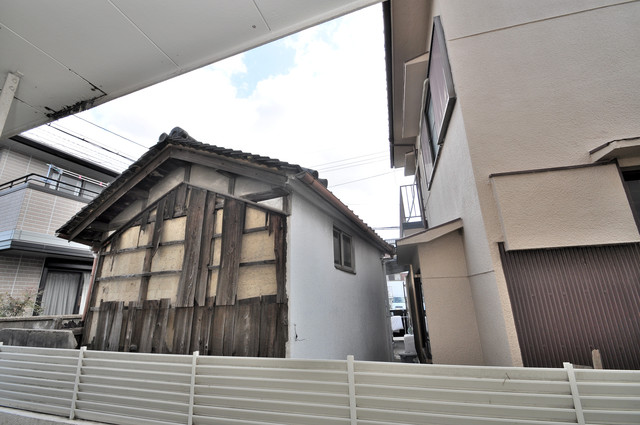衣摺NAKAKI この見晴らしが陽当たりのイイお部屋を作ってます。