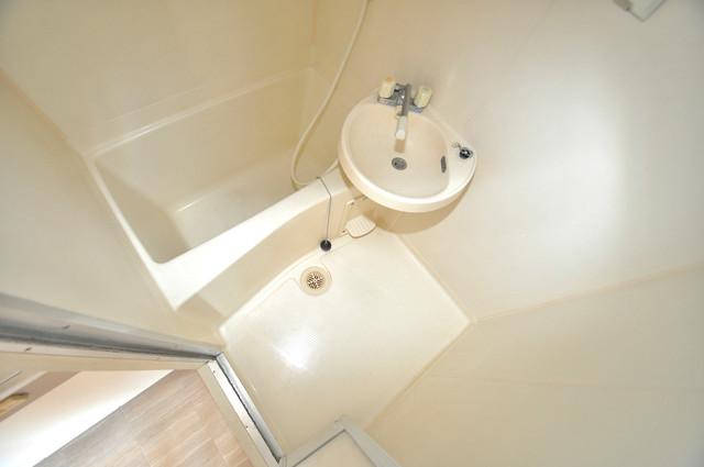 OKハイツ神路 ちょうどいいサイズのお風呂です。お掃除も楽にできますよ。