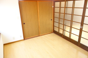 https://image.rentersnet.jp/41d660be-7c06-4362-8168-7b36326679a6_property_picture_1992_large.jpg_cap_居室