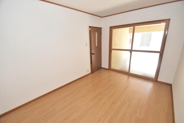 柏田東町2-37貸家 朝には心地よい光が差し込む、このお部屋でお休みください。