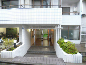 スカイコート新宿落合第4エントランス