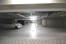 レジディア六本木檜町公園駐車場
