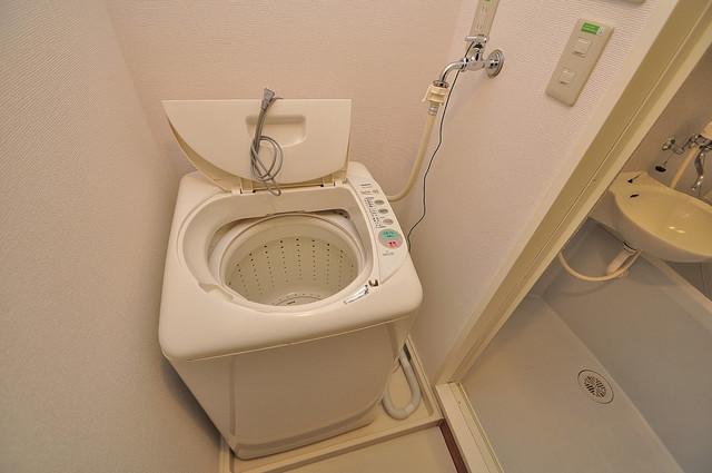 レオパレスフセアジロミナミ なんと洗濯機までついていますよ。