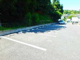 アムール白山駐車場