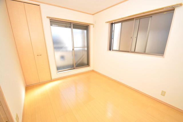 大蓮東1-22-30 貸家 朝には心地よい光が差し込む、このお部屋でお休みください。