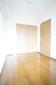 https://image.rentersnet.jp/434f7f72db6ef6bf93990c422c567948_property_picture_1800_large.jpg_cap_洋室4.6帖