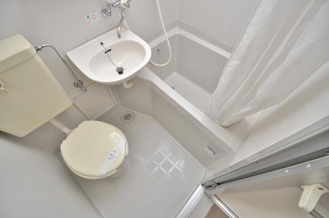 イワタハイツ シャワー1本で水回りが簡単に掃除できますね。