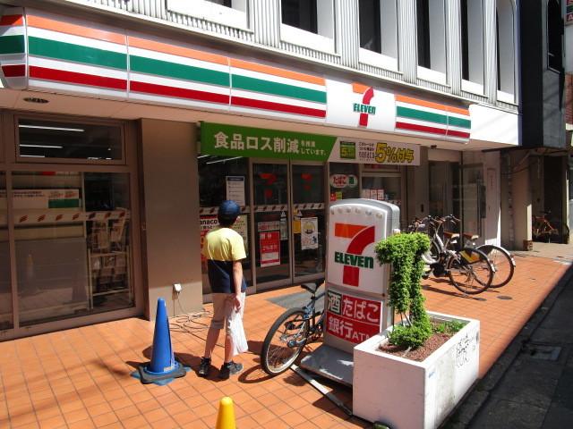 下北沢駅 徒歩1分[周辺施設]コンビニ