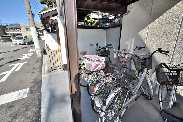 川田マンション あなたの大事な自転車も安心してとめることができますね。