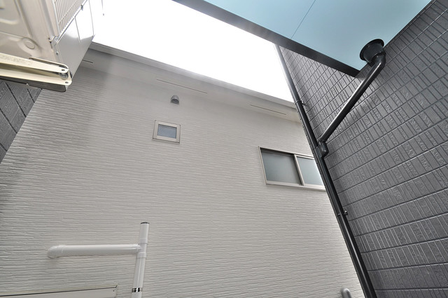 Lazward HigashiOsaka  目の前に建物がありますがこのように日も入ってきます。