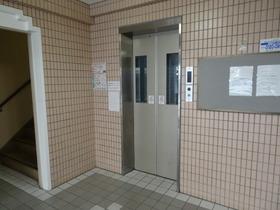 https://image.rentersnet.jp/4432c183ffacd5a70e95e7435f48e7bb_property_picture_2418_large.jpg_cap_エレベーター