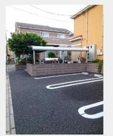 プリムヴェール2駐車場