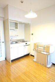 https://image.rentersnet.jp/444826f7-980d-4d63-ae53-01db3b81b92b_property_picture_2418_large.jpg_cap_居室