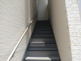 2階に繋がる階段です☆
