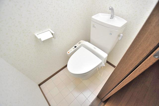 ハイムタケダT-11 清潔感のある爽やかなトイレ。誰もがリラックスできる空間です。
