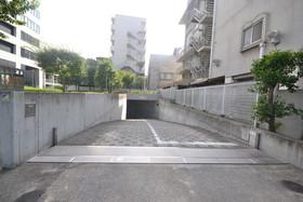 パークキューブ目黒タワー駐車場