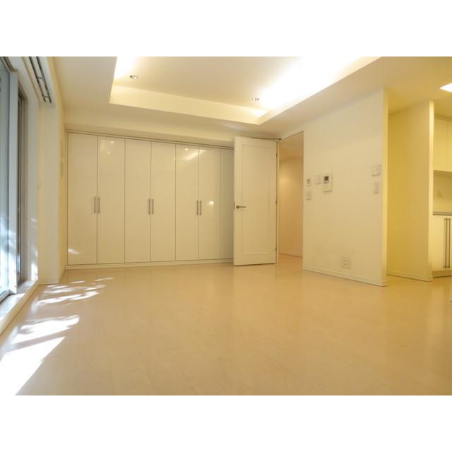 赤坂駅 徒歩5分居室