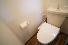 https://image.rentersnet.jp/454ab846-c7af-4bf0-aa2e-abcf05e25632_property_picture_956_large.jpg_cap_トイレ