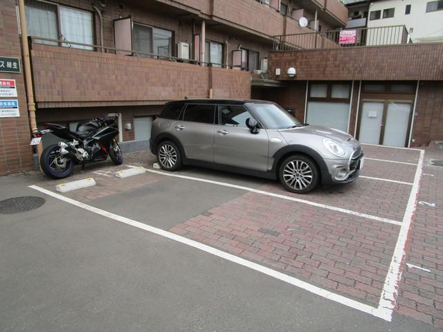 グレイス柿生駐車場