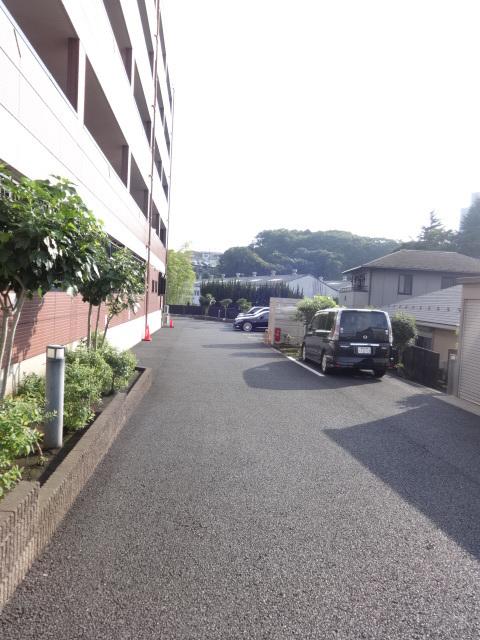 パルティール横濱駐車場