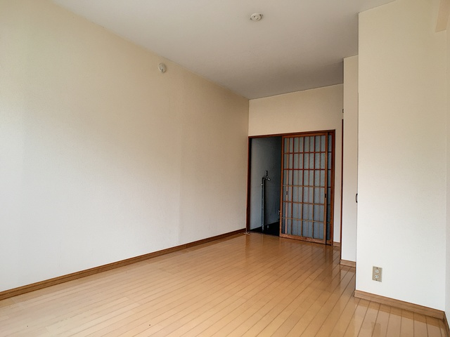 https://image.rentersnet.jp/4581de80-5467-4842-a262-a5f3ddd7502f_property_picture_3193_large.jpg