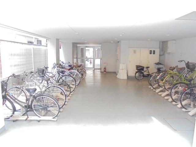 スカイコート押上弐番館駐車場