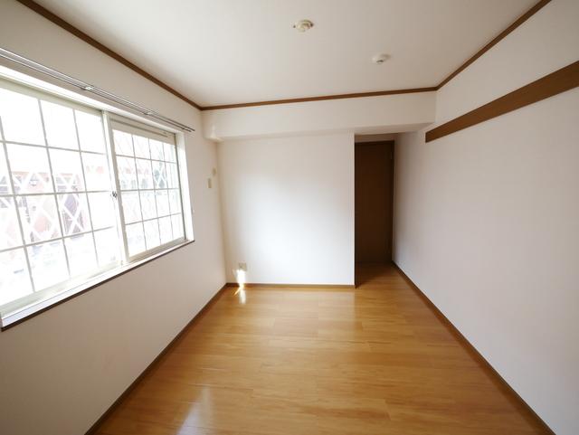 フォレスタA居室