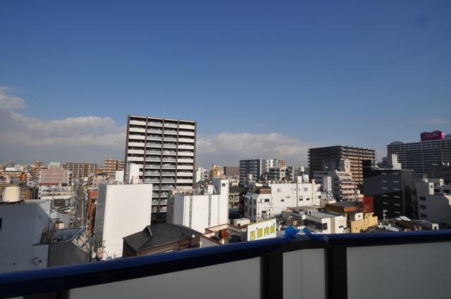 パラゴン布施駅前 この見晴らしが陽当たりのイイお部屋を作ってます。
