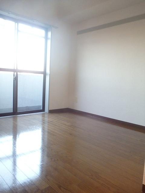 二俣川駅 徒歩8分居室