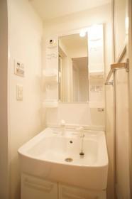 https://image.rentersnet.jp/4651d6e1-7fca-4d34-b253-55db194af810_property_picture_961_large.jpg_cap_独立洗面台